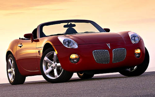 pontiac solstice les roadsters ont la cote guide auto. Black Bedroom Furniture Sets. Home Design Ideas