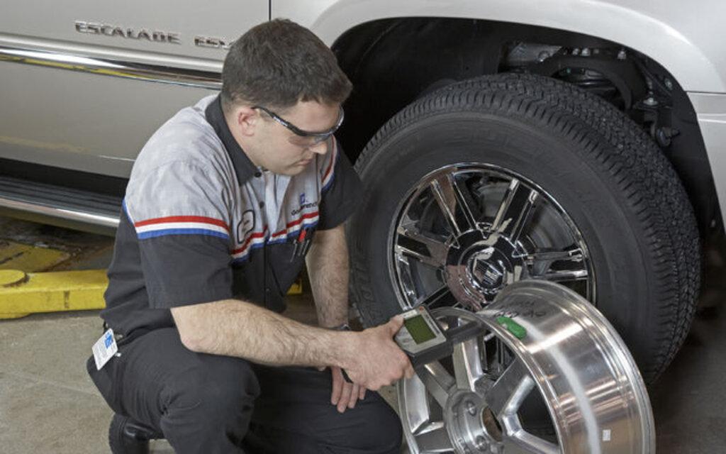 sp cial pneus d 39 hiver les sondes de pression des pneus guide auto. Black Bedroom Furniture Sets. Home Design Ideas