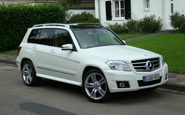mercedes benz glk350 4matic 2010 le prix d voil guide auto. Black Bedroom Furniture Sets. Home Design Ideas