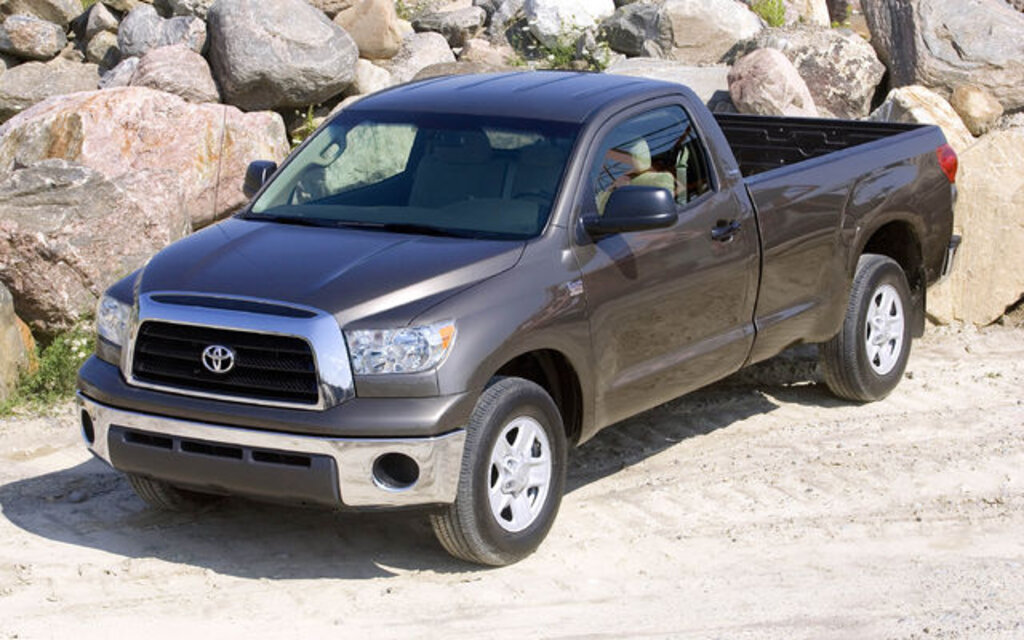 toyota tundra deux nouveaux mod les edition i force guide auto. Black Bedroom Furniture Sets. Home Design Ideas