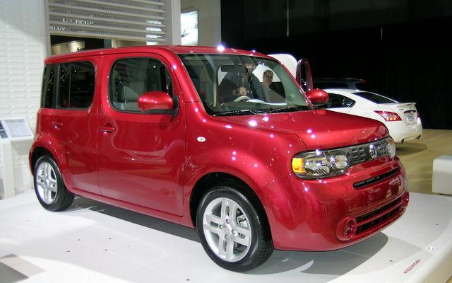 Nissan Introduce The 2009 Cube 16