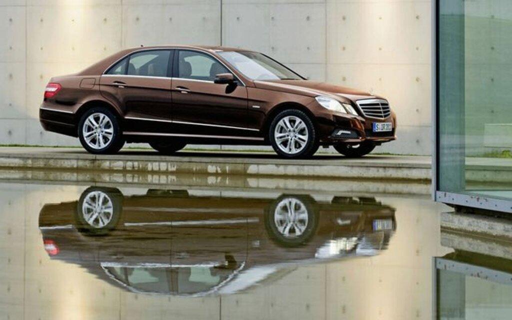Mercedes benz classe e fini les phares ronds guide auto for Mercedes benz 640