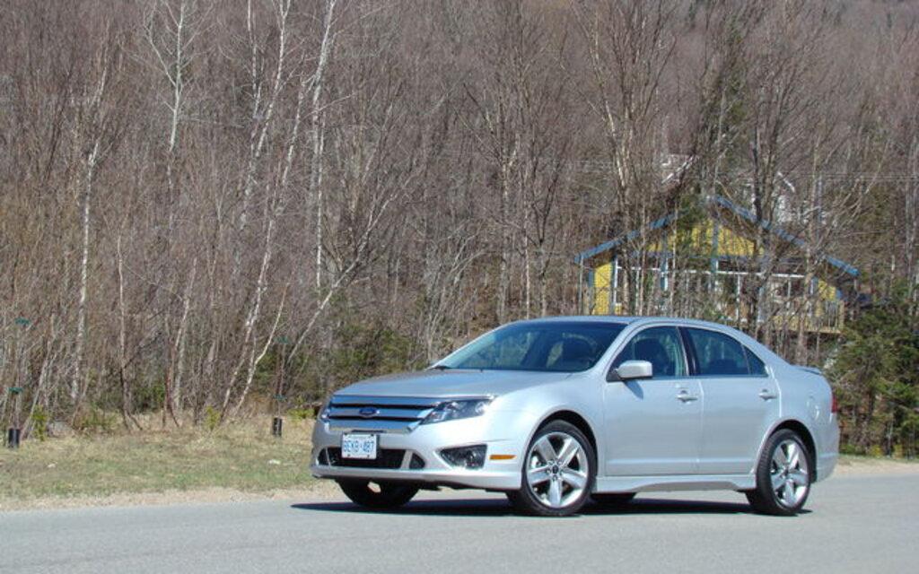ford fusion 2010 une gamme plus compl te une meilleure voiture guide auto. Black Bedroom Furniture Sets. Home Design Ideas