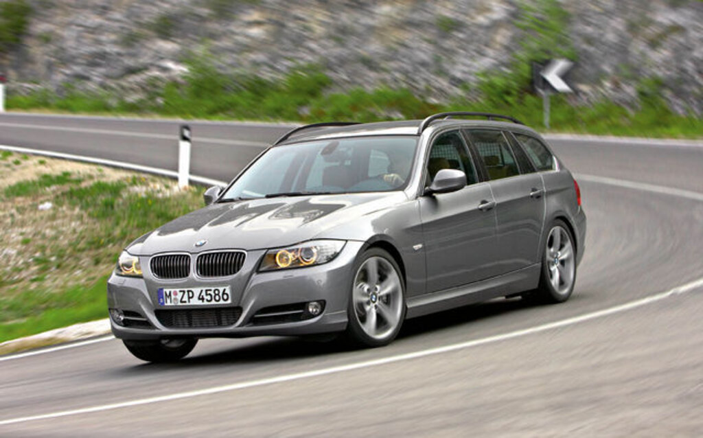 bmw s rie 3 touring 2009 une race rare guide auto. Black Bedroom Furniture Sets. Home Design Ideas