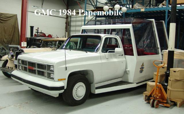 GMC 1984 Papemobile. Musée Sciences et Technologie Ottawa.