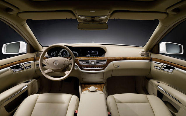 Mercedes Benz S400 HYBRID: Instead Of An S Class CDI.