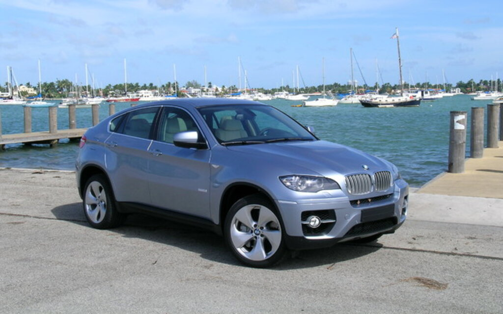 bmw x6 activehybrid 2010 performances lectriques guide auto. Black Bedroom Furniture Sets. Home Design Ideas