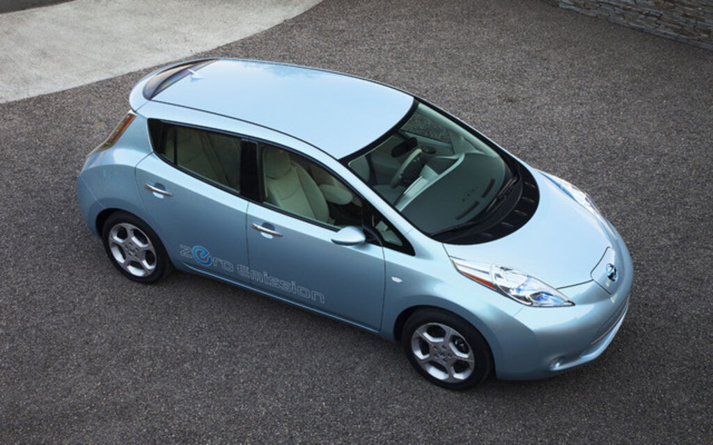 nissan leaf 2010 l 39 avenir lectrique guide auto. Black Bedroom Furniture Sets. Home Design Ideas