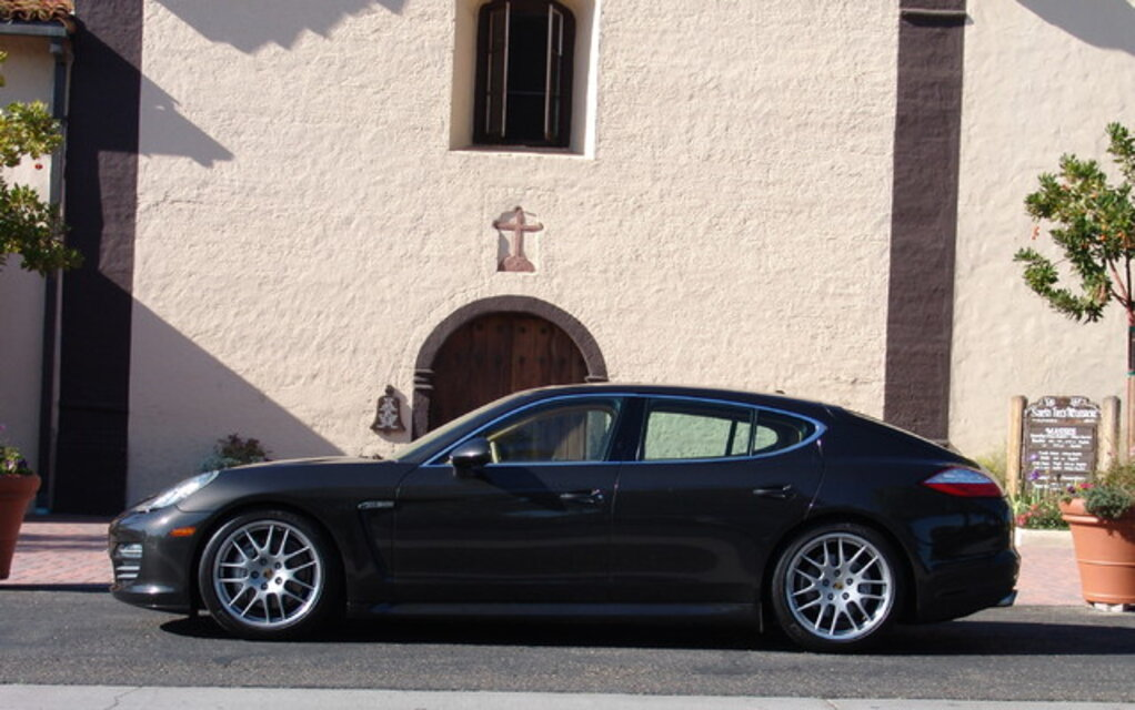 The 2010 Porsche Panamera 4s For Some Grand Touring The Car Guide