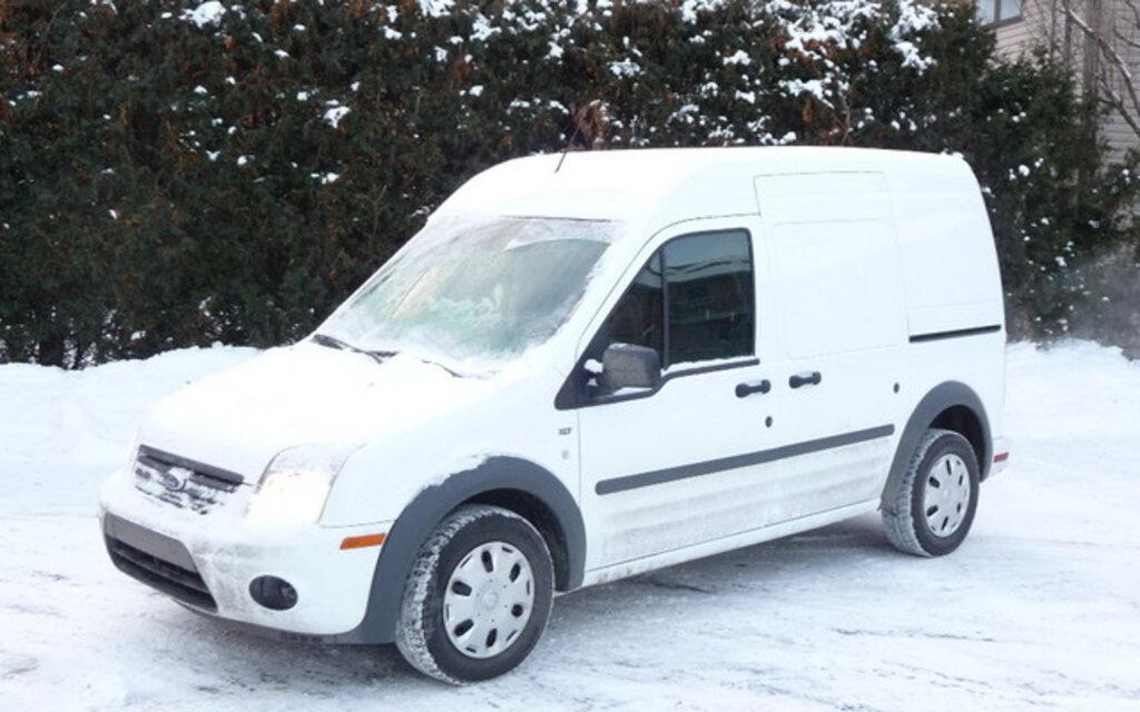 ford transit connect 2010 un essai hivernal guide auto. Black Bedroom Furniture Sets. Home Design Ideas