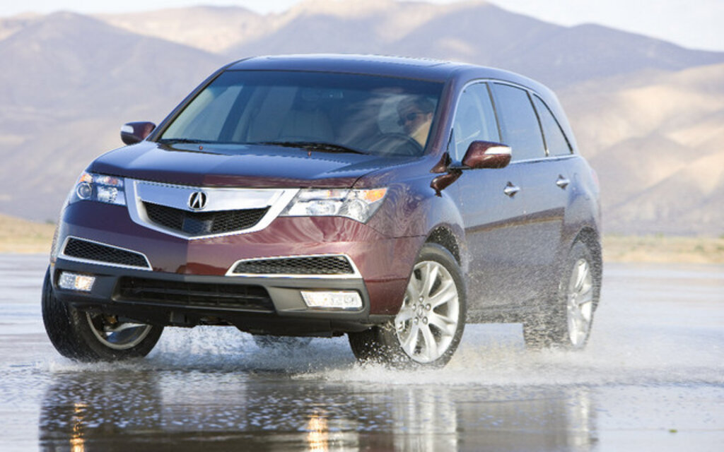 acura mdx 2010 des d tails font la diff rence guide auto. Black Bedroom Furniture Sets. Home Design Ideas