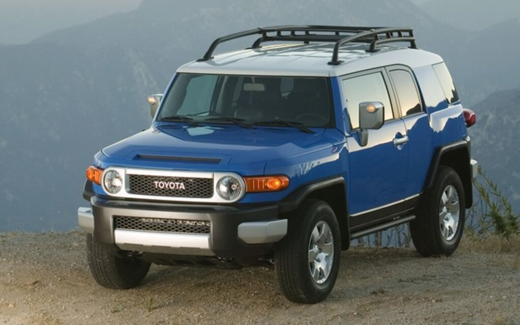 the 2010 toyota fj cruiser tough truck or tonka toy the car guide. Black Bedroom Furniture Sets. Home Design Ideas