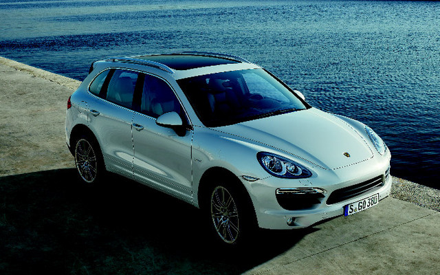 porsche cayenne 2011 enti rement revue et hybride en plus. Black Bedroom Furniture Sets. Home Design Ideas