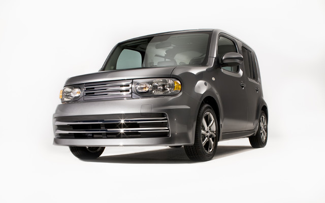 2010 Nissan Cube Krom Cute Turns Krom The Car Guide