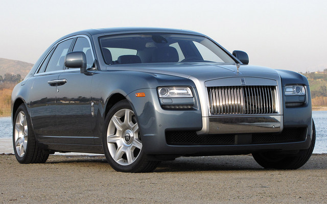 2010 rolls royce ghost a dazzling follow up that devours the road the car guide. Black Bedroom Furniture Sets. Home Design Ideas