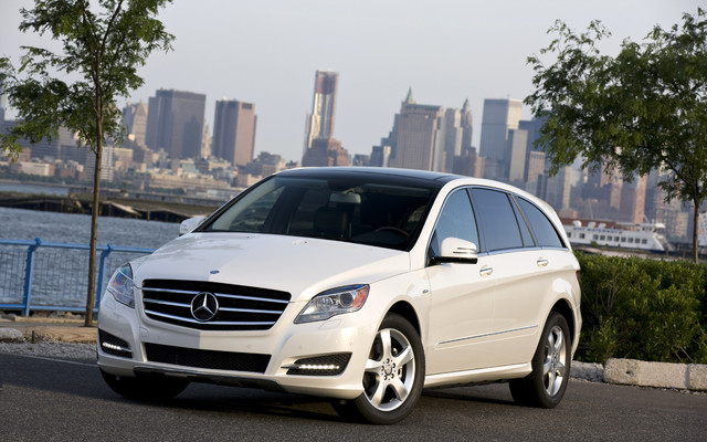 2011 Mercedes R-Class: Welcome to the doldrums - The Car Guide