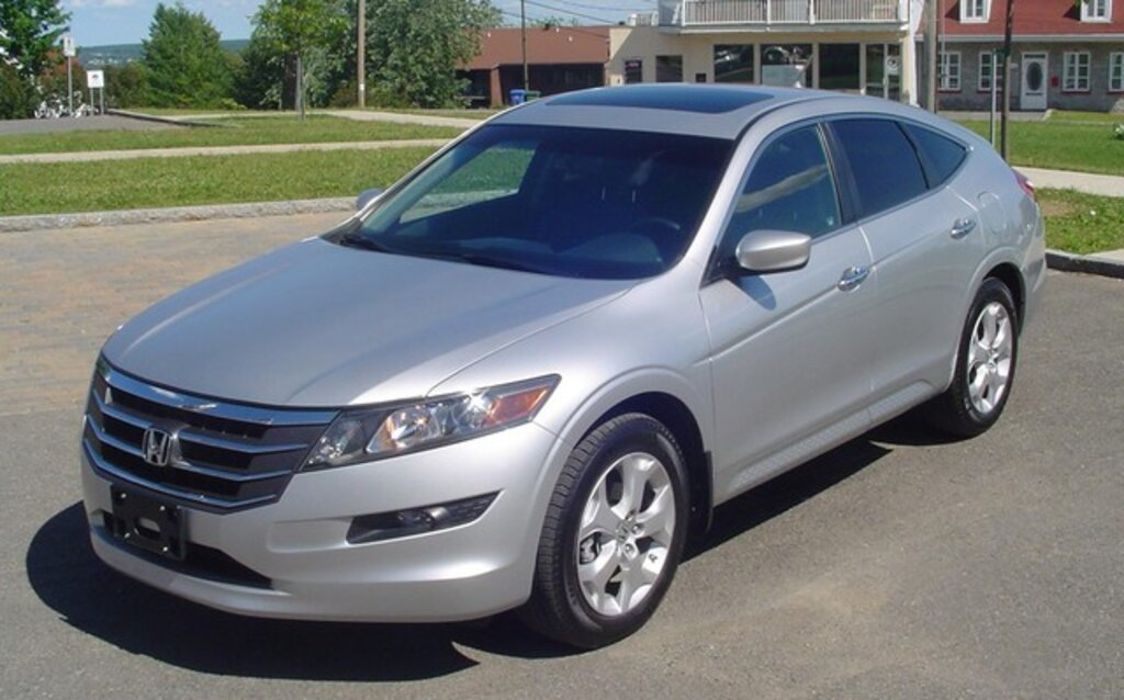 honda accord crosstour 2010 une hatchback que l 39 on remarque guide auto. Black Bedroom Furniture Sets. Home Design Ideas