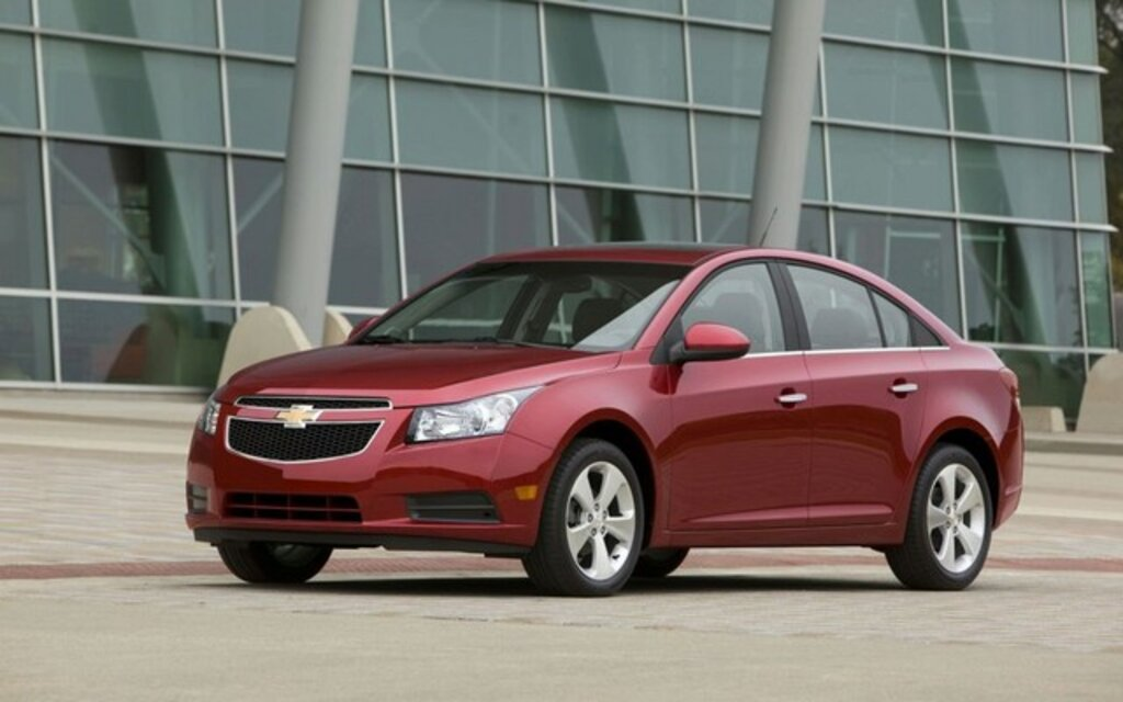 chevrolet cruze 2011 plus de 270 000 unit s vendues avant m me sa sortie guide auto. Black Bedroom Furniture Sets. Home Design Ideas