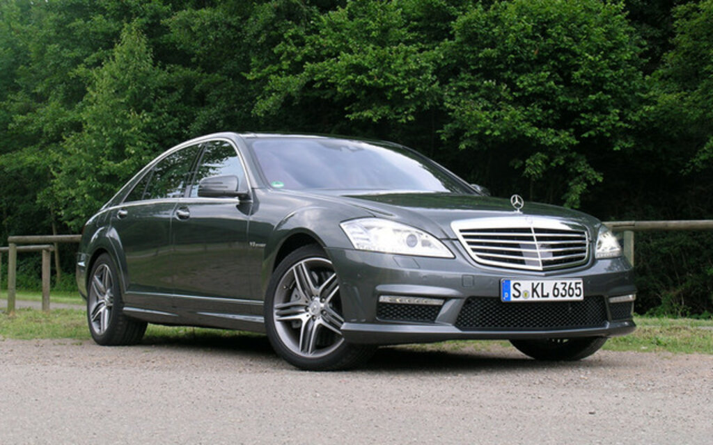 2011 mercedes benz s63 amg surprising power and fuel consumption the car guide. Black Bedroom Furniture Sets. Home Design Ideas
