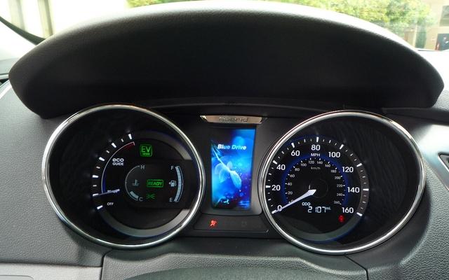 2011 Hyundai Sonata Hybrid Elegance And Technological
