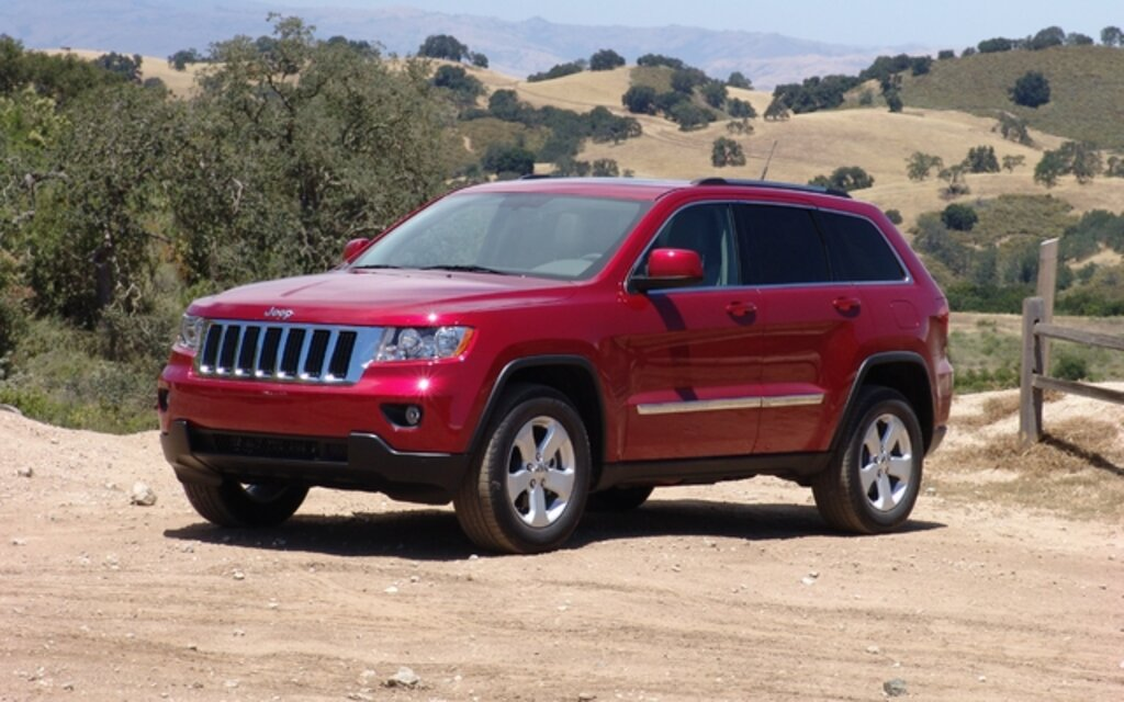 2011 jeep grand cherokee a new generation with the same attractive features the car guide. Black Bedroom Furniture Sets. Home Design Ideas