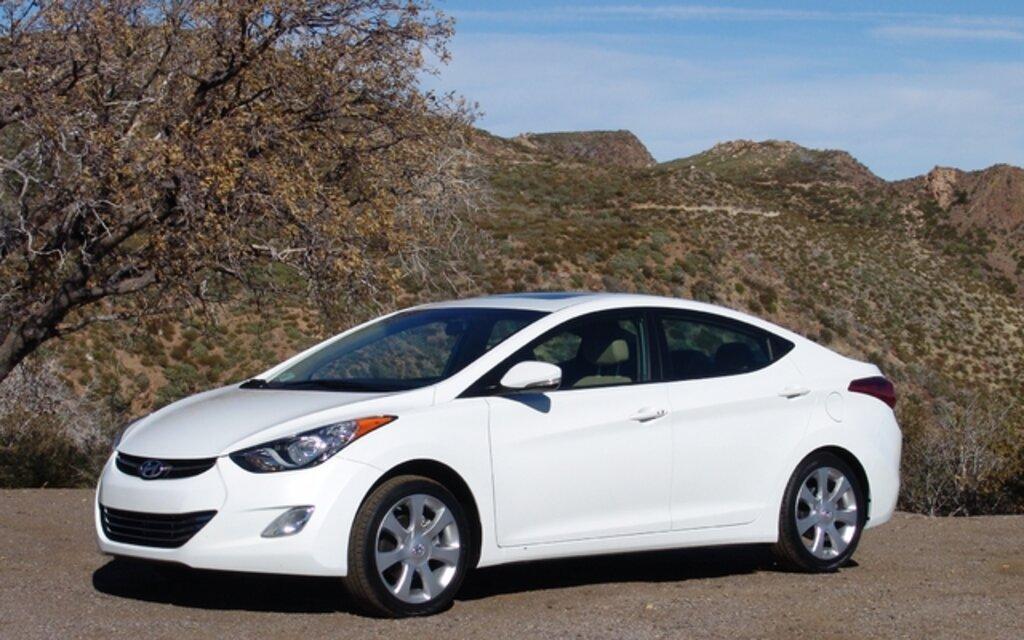 Hyundai Elantra 2011, blonde et légale