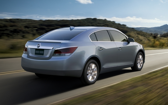 Buick LaCrosse eAssist 2012