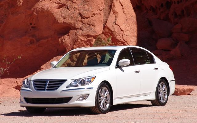 Hyundai Genesis 2012