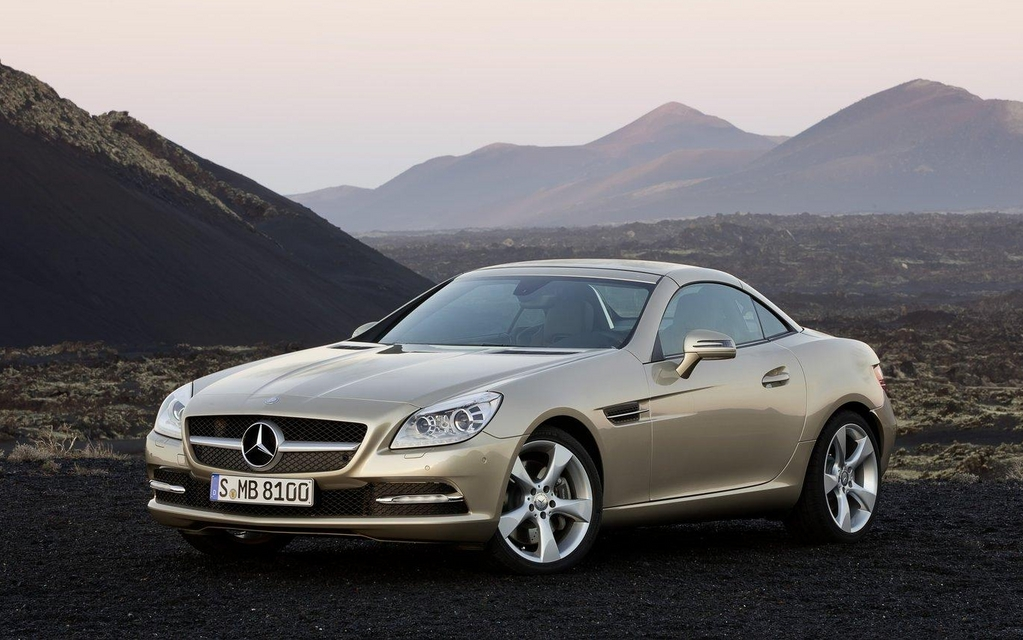 Mercedes benz slk 2012 on pensait la voir d troit for 2012 mercedes benz slk