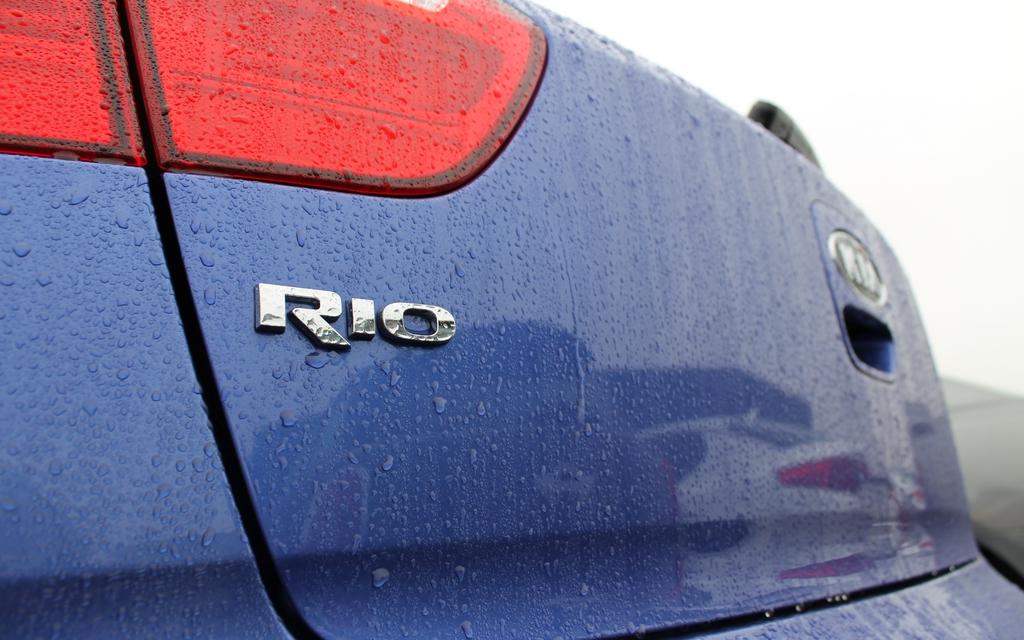 Kia Rio5 Vs Hyundai Accent 2012 Querelle De Jumelles 13 16
