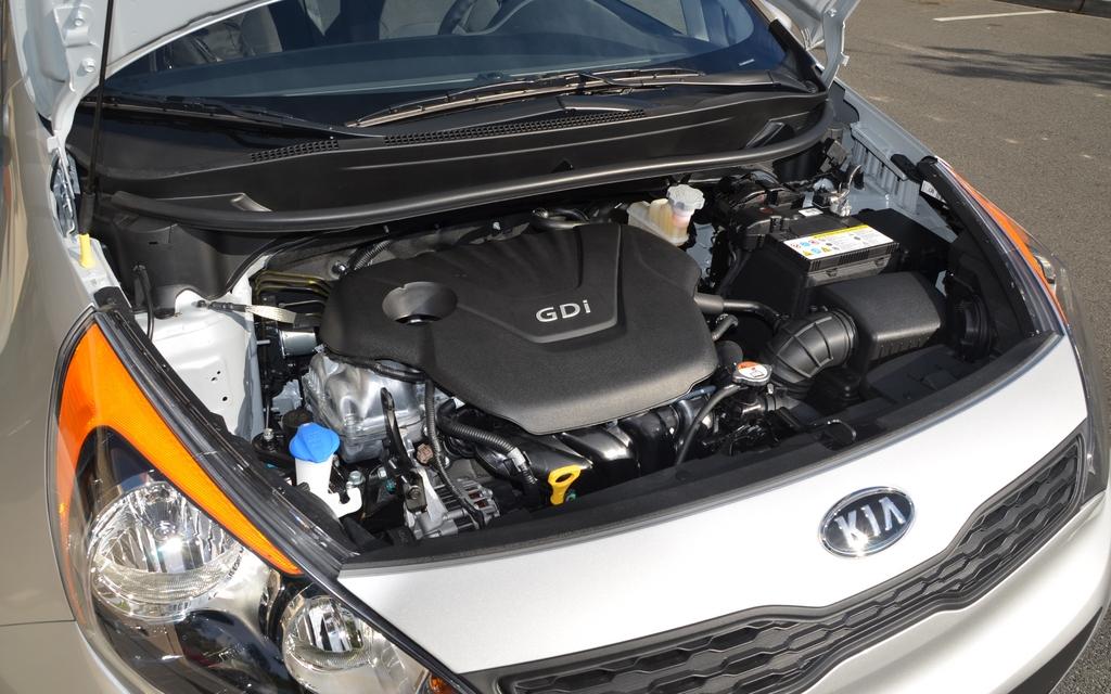 2012 Kia Rio5 Vs Hyundai Accent Quarrelling Twins 7 16