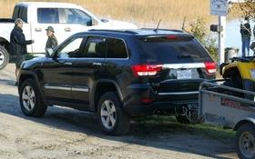 2011 jeep grand cherokee operation moose hunt the car guide. Black Bedroom Furniture Sets. Home Design Ideas
