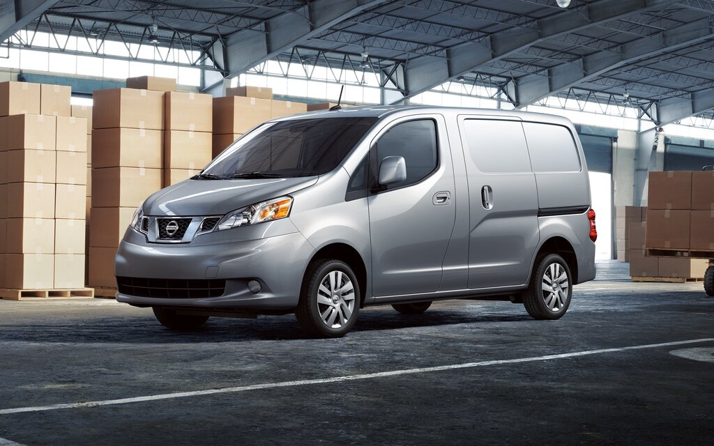 nissan nv200 compact cargo van offers efficient packaging with a large cargo space within a. Black Bedroom Furniture Sets. Home Design Ideas