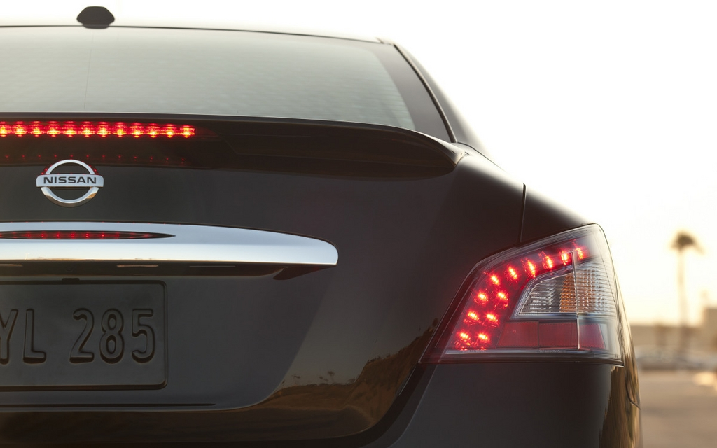 Equipped with LED tail lights.