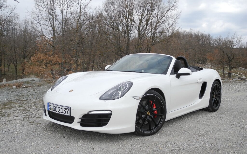 an examination of the porsche boxter In porsche boxster story author paul frère traces the development history of the boxster, from the original concept car, unveiled at the 1993 detroit motor show, through the evolution of the first-generation 986-series cars, to the latest 987-series.