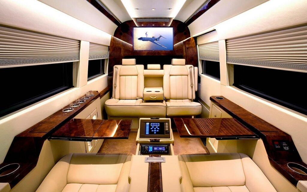 mercedes benz sprinter jetvan tout du jet priv sur quatre roues guide auto. Black Bedroom Furniture Sets. Home Design Ideas
