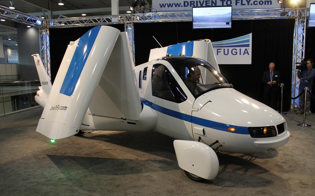 transition terrafugia voiture volante ou avion roulant 9 12. Black Bedroom Furniture Sets. Home Design Ideas