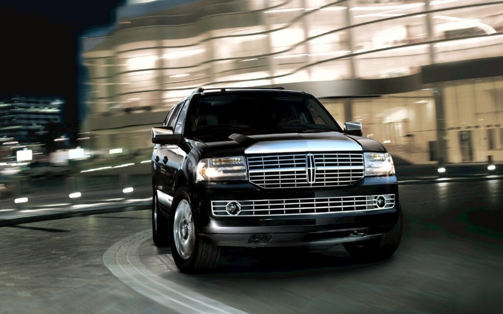 the 2012 lincoln navigator not extinct not yet anyway the car guide. Black Bedroom Furniture Sets. Home Design Ideas