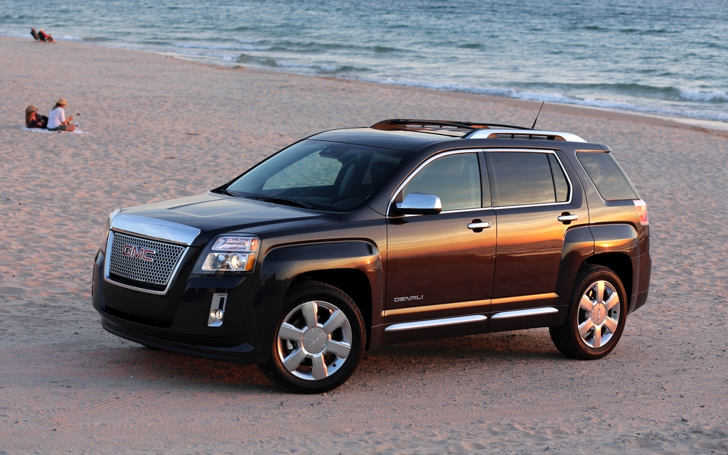 2013 gmc terrain denali priced from 39 830 the car guide. Black Bedroom Furniture Sets. Home Design Ideas