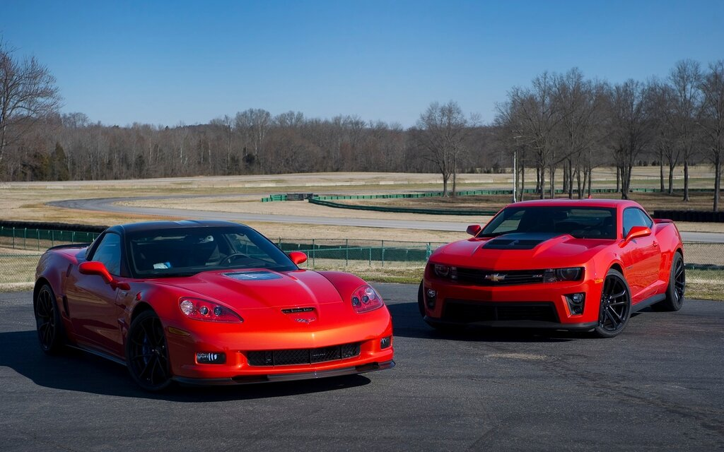 Chevrolet Camaro Zl1 And Chevrolet Corvette Zr1 The