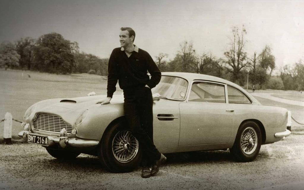 My name is Martin, Aston Martin » - 1/11