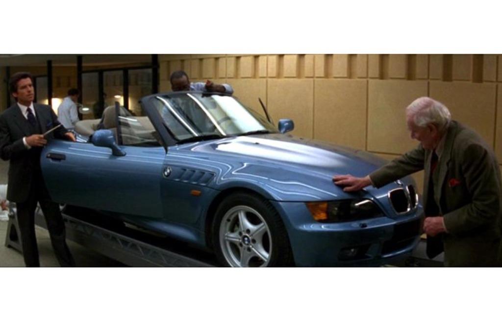 the cars driven by secret agent james bond 12 17. Black Bedroom Furniture Sets. Home Design Ideas