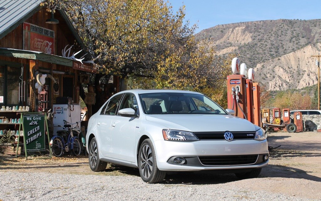 volkswagen jetta hybrid 2013 l 39 hybride cow boy guide auto. Black Bedroom Furniture Sets. Home Design Ideas