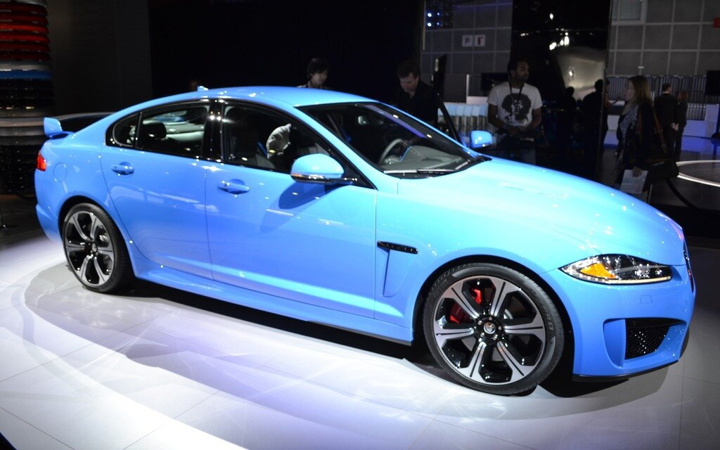 jaguar xfr s en premi re mondiale au salon de los angeles guide auto. Black Bedroom Furniture Sets. Home Design Ideas