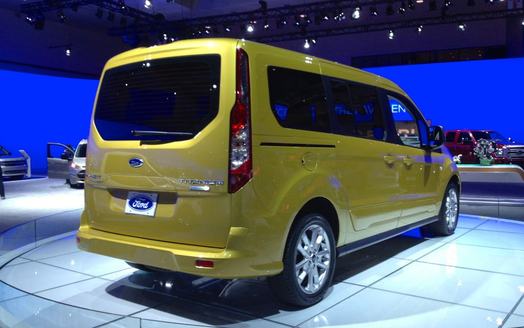 Ford Transit Wagon >> Ford at the L.A. Auto Show: New Fiesta and Transit Connect - 9/13