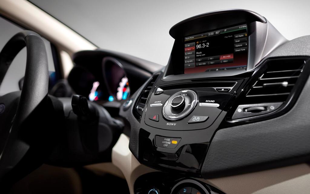 2014 Ford Fiesta 1 0-litre: A three-cylinder turbo! - 12/13