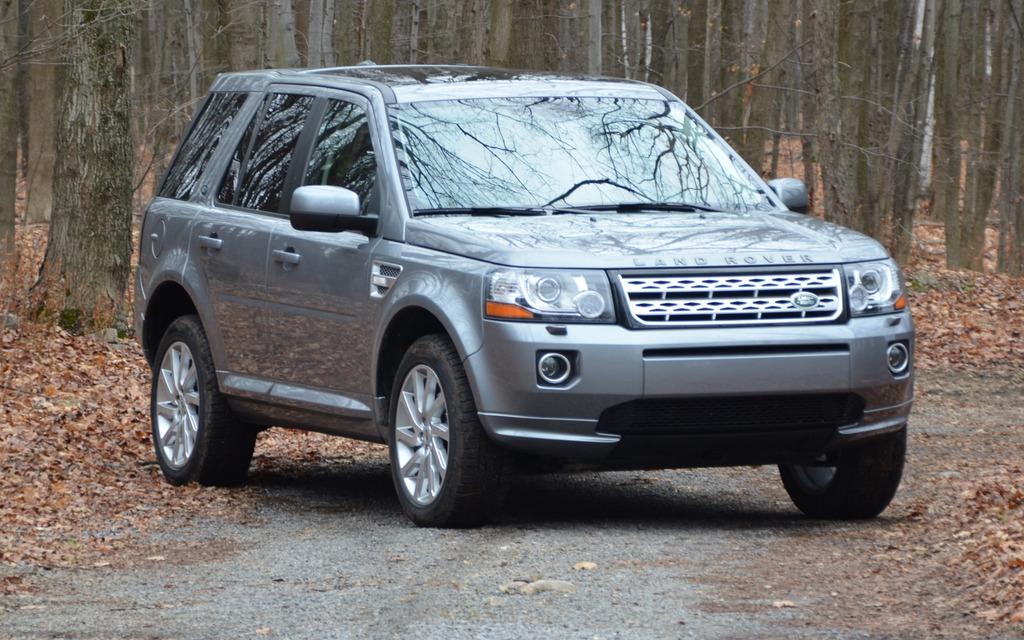 La partie avant est typique des produits Land Rover