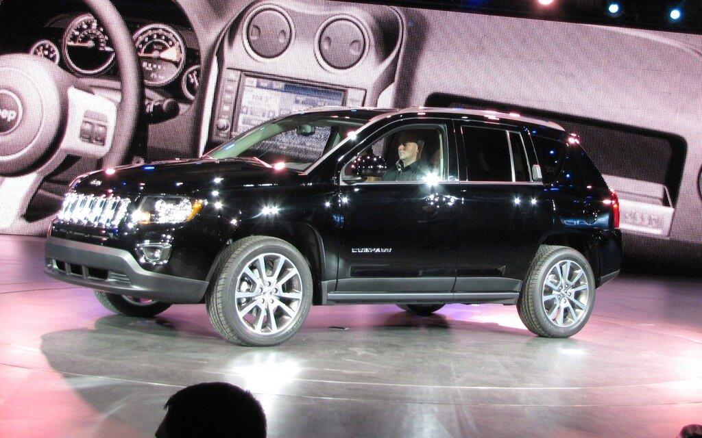 jeep compass et patriot 2014 nouvelle transmission guide auto. Black Bedroom Furniture Sets. Home Design Ideas
