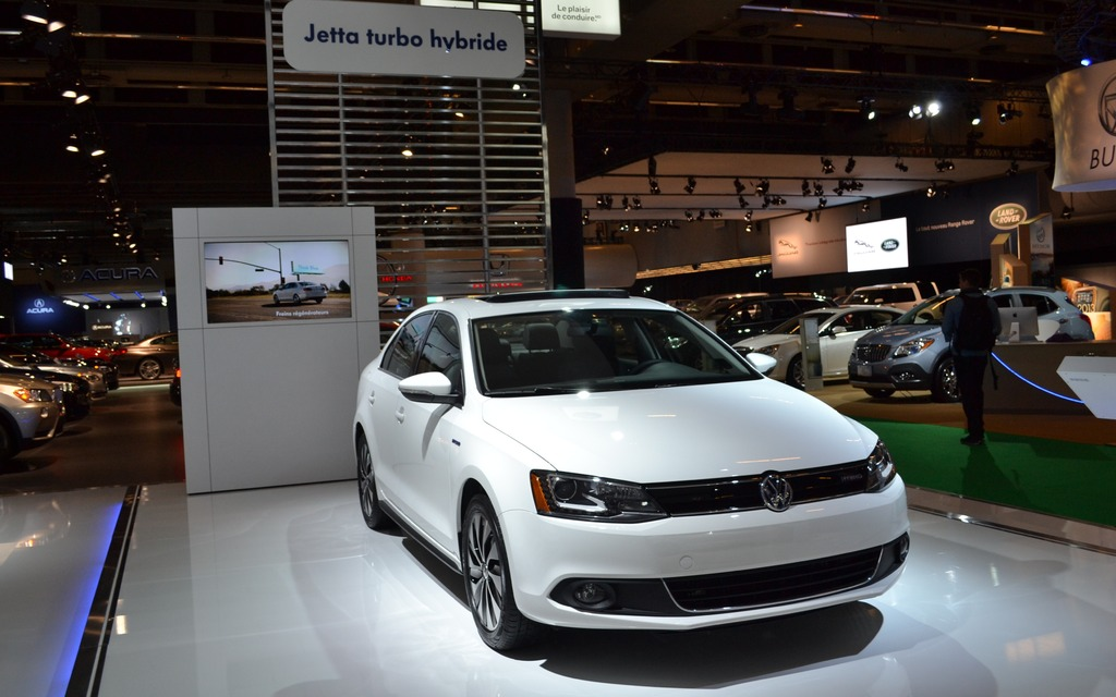 volkswagen jetta hybride 2013 moteur turbo consomation r duite guide auto. Black Bedroom Furniture Sets. Home Design Ideas