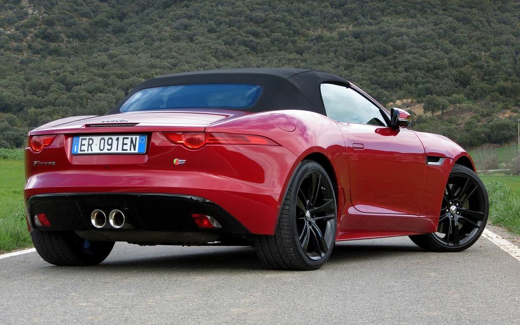 2014 Jaguar F Type Fierce And Fantastic 12 38
